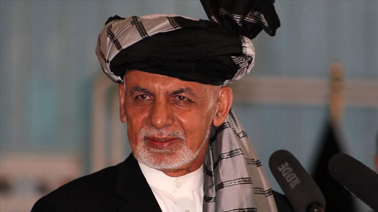 Afganistan'ı terk eden Cumhurbaşkanı konuştu