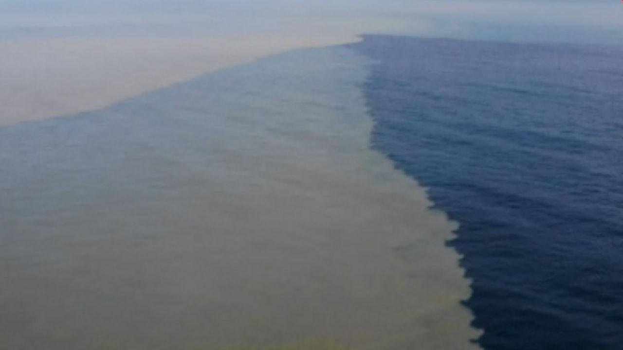 Sel felaketinden sonra denizin rengi değişti