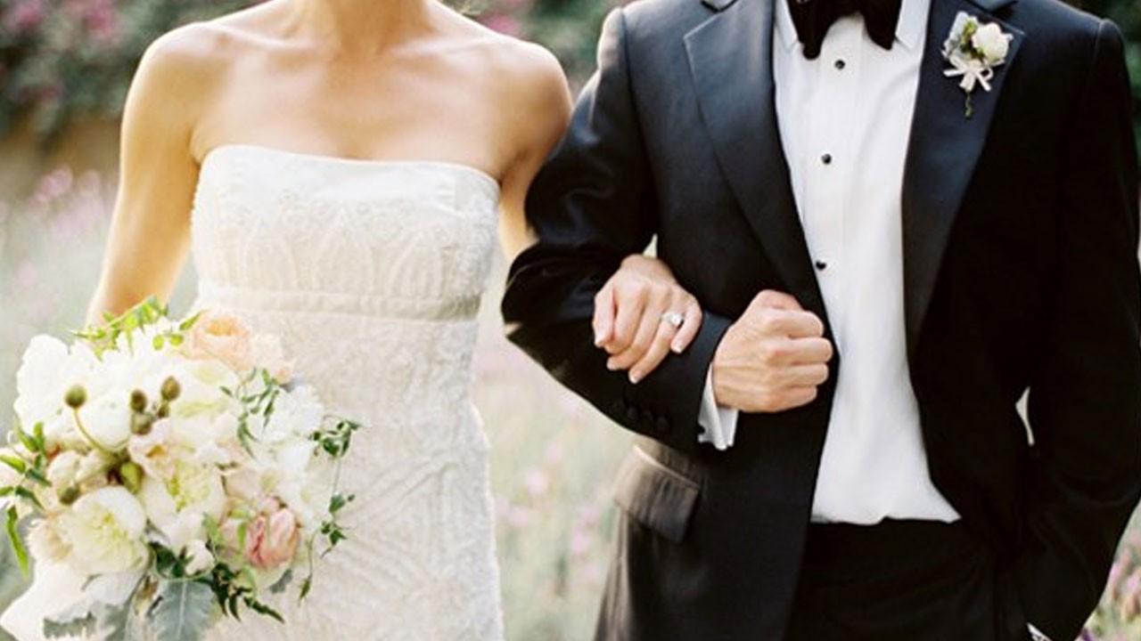 Evliliğine ailesi karışanlara çok kötü haber!