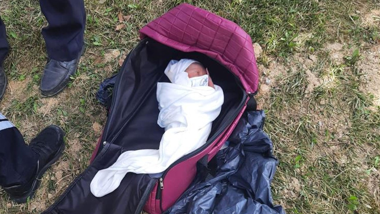 Parkta yeni doğmuş bebek bulundu