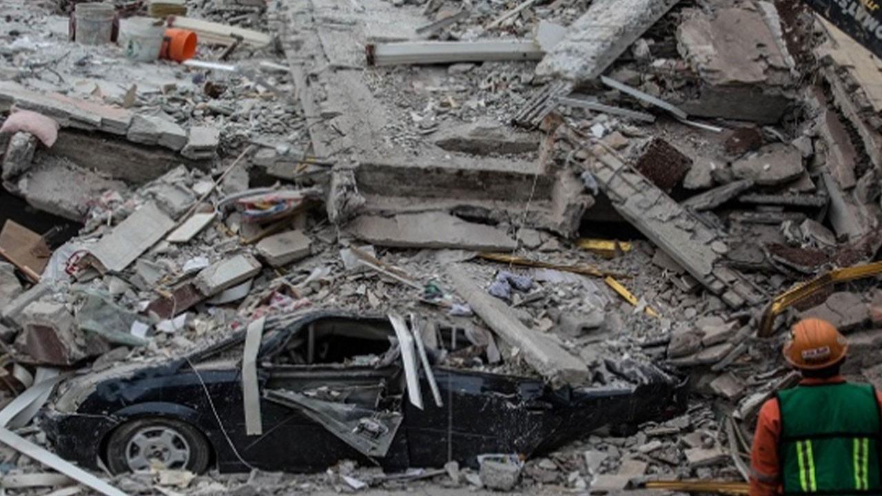7.2 büyüklüğündeki depremde can kaybı bin 419 oldu
