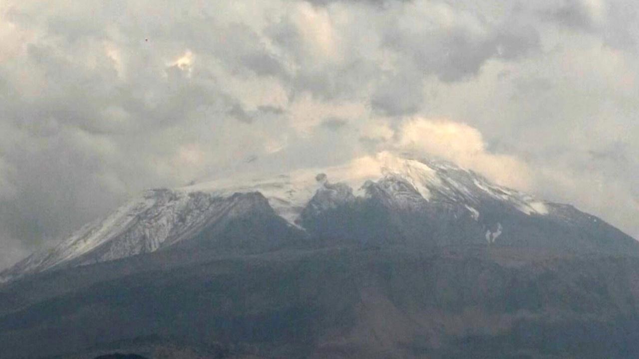 Ağrı Dağı'na ilk kar düştü