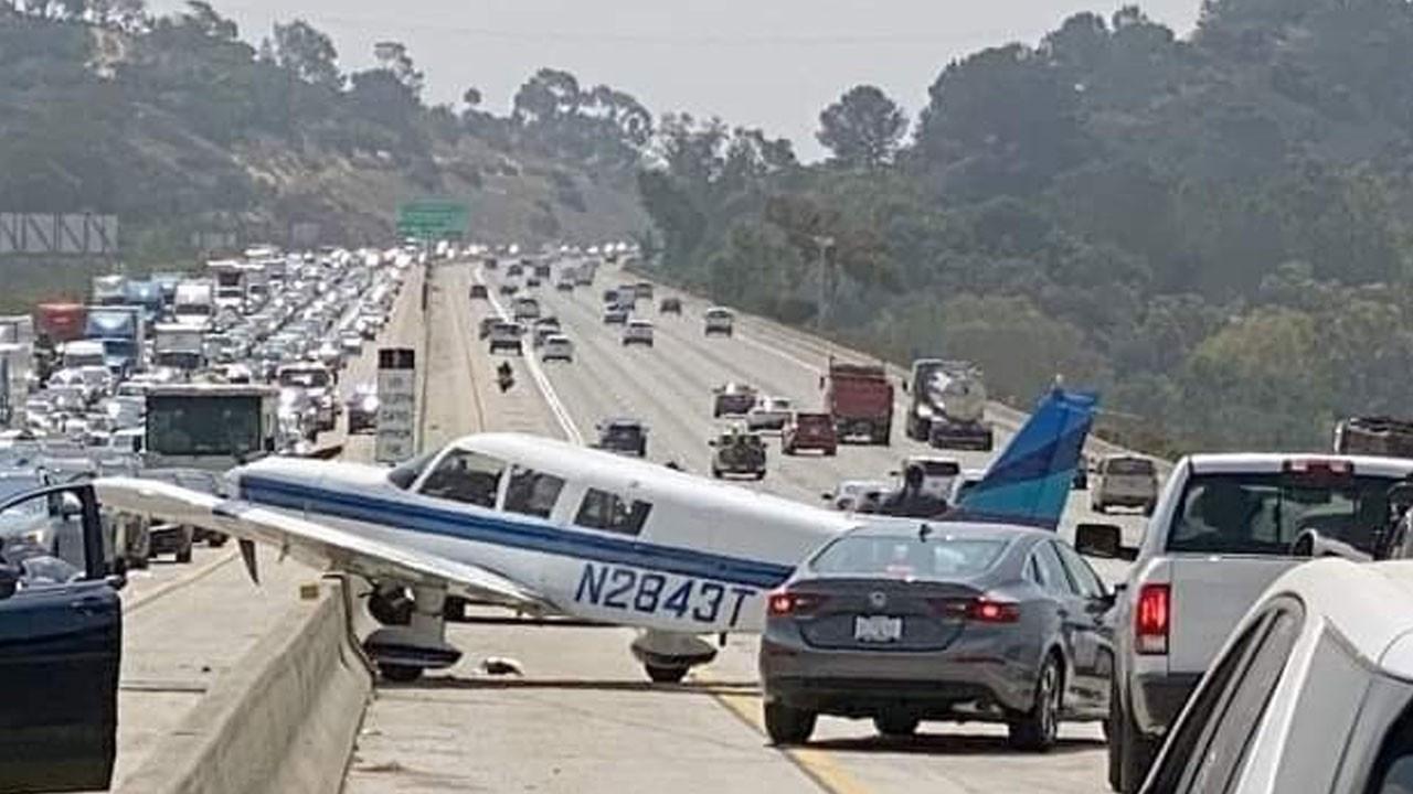 ABD'de bir uçak otoyola acil iniş yaptı! O anlar saniye saniye kamerada