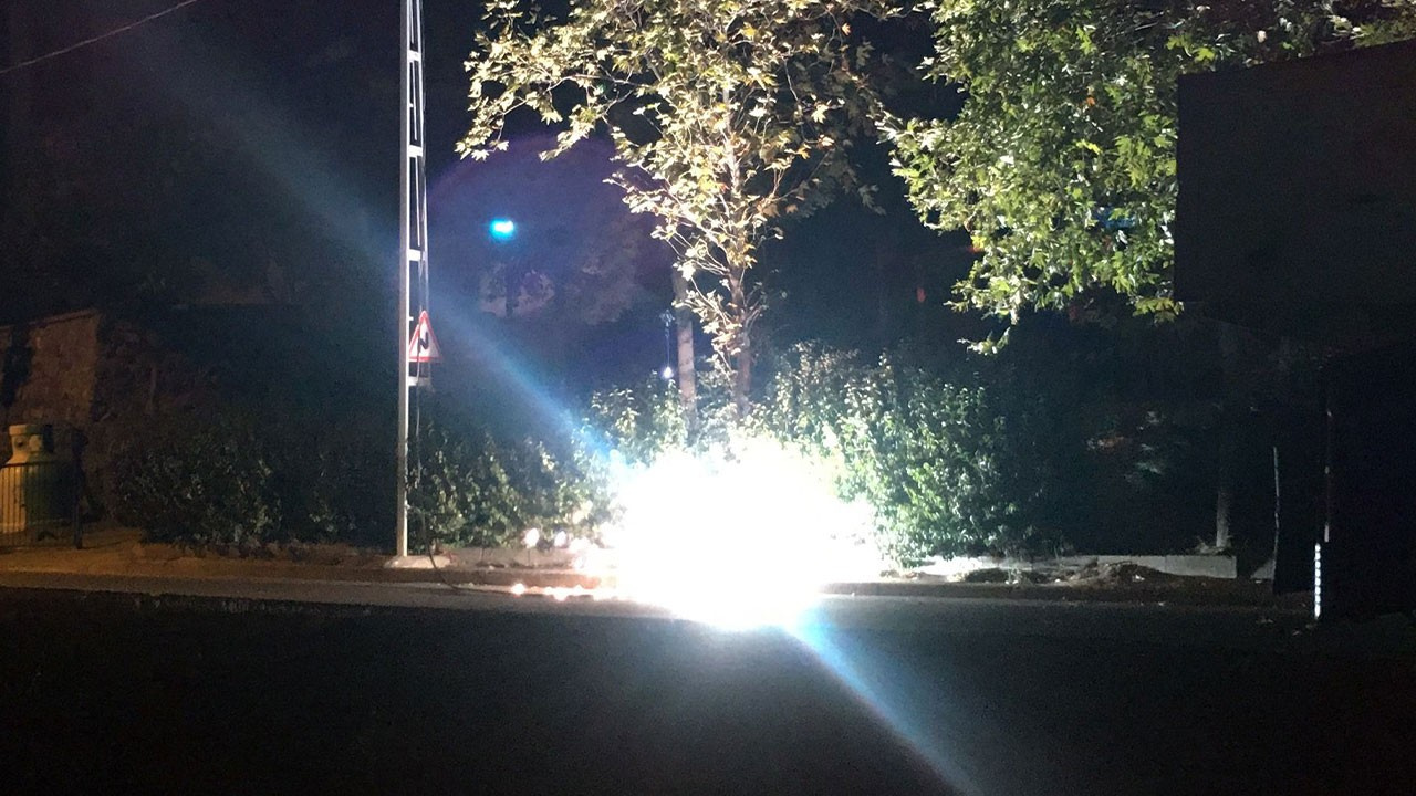 İstanbul'da elektrik kablosu bomba gibi patladı!