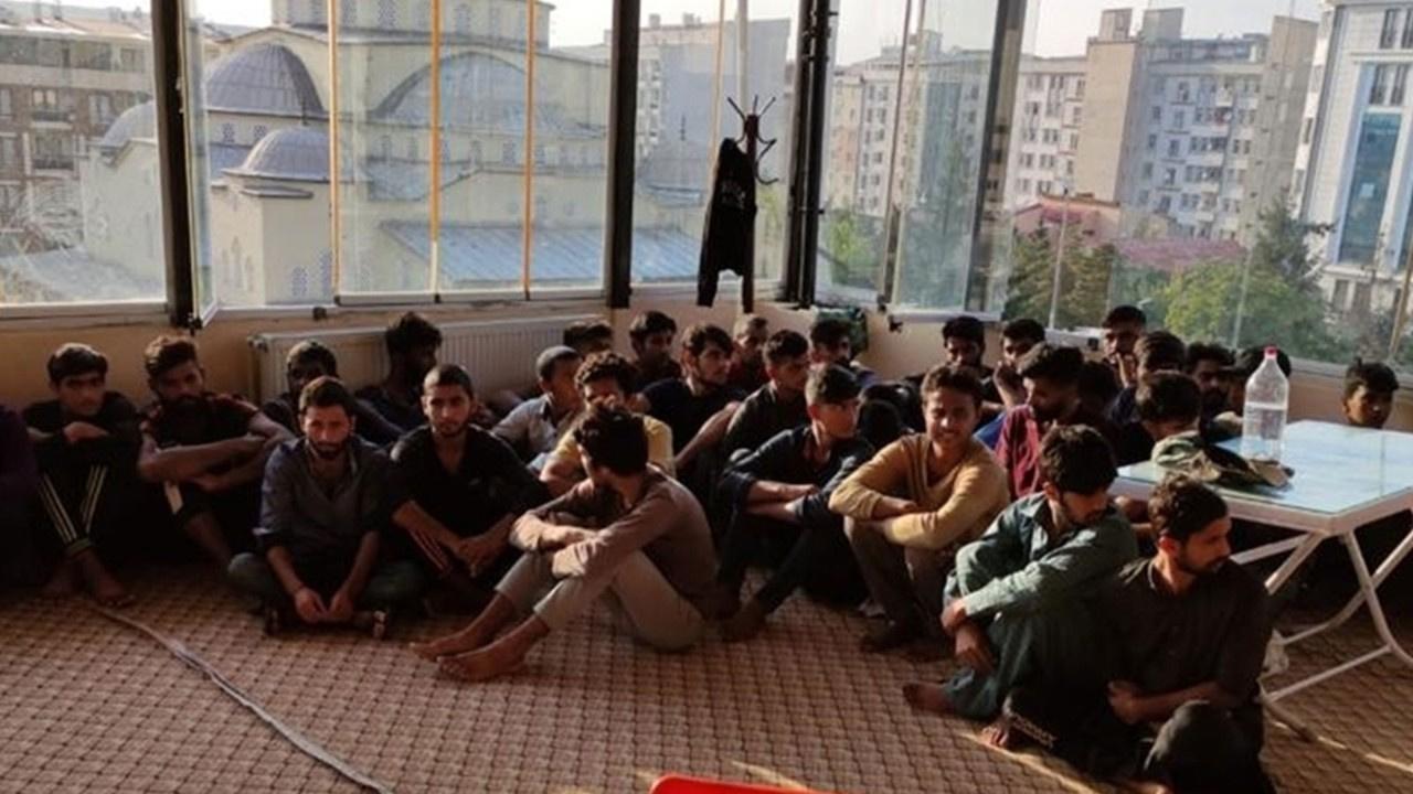 Van'da 26 düzensiz göçmen yakalandı