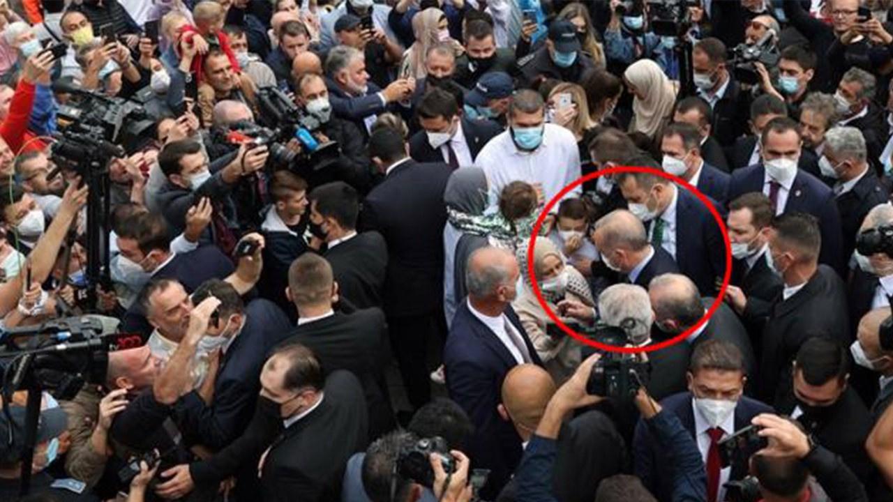 Erdoğan'ı görmek için birbirleriyle yarıştılar