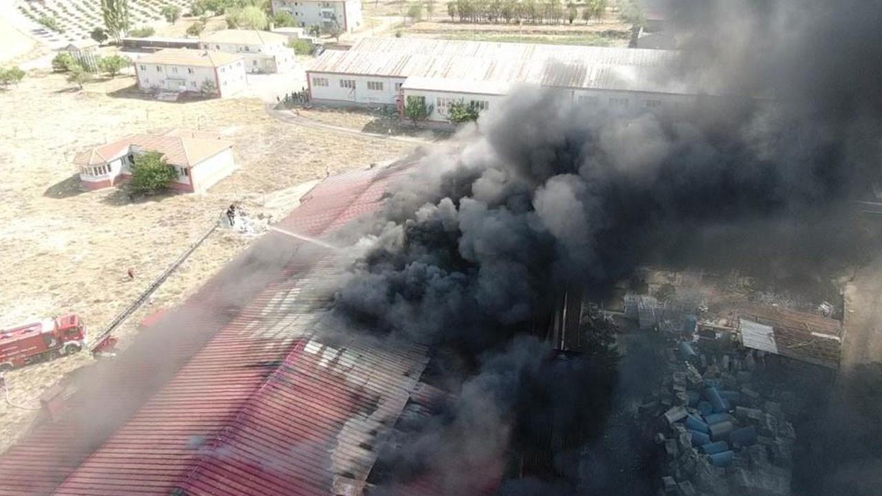 Kayseri'de mobilya fabrikasında yangın çıktı