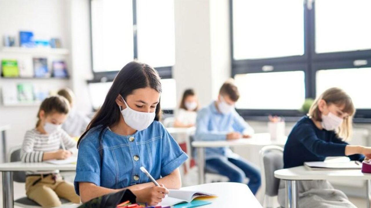 Sınıf maske takmadı öğrenciler virüs kaptı