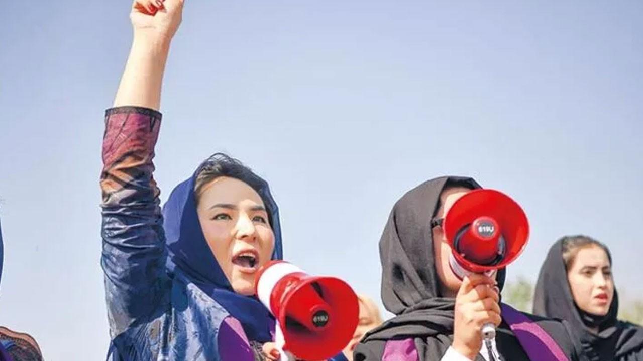 Taliban'a karşı mor direniş!