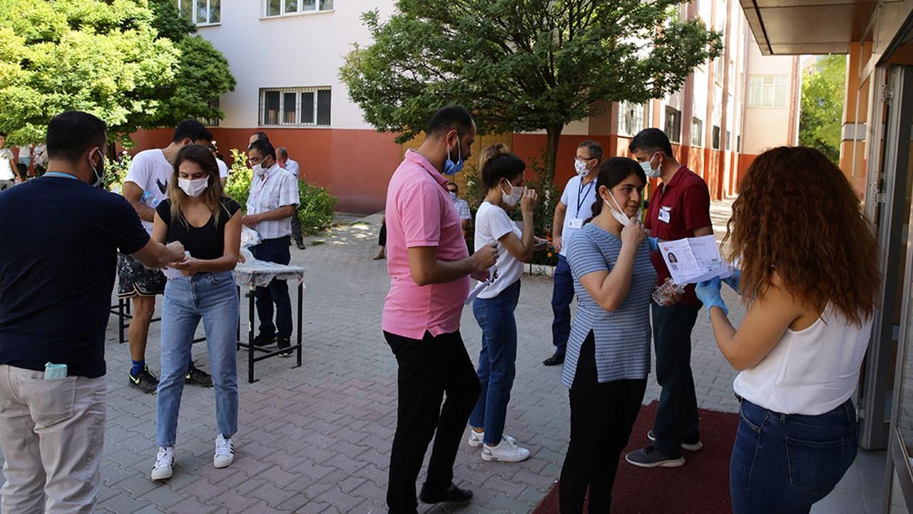 Üniversiteye kayıt belgeleri ve evrakları listesi: 2021 Üniversite kayıt sırasında verilecek belgeler neler?