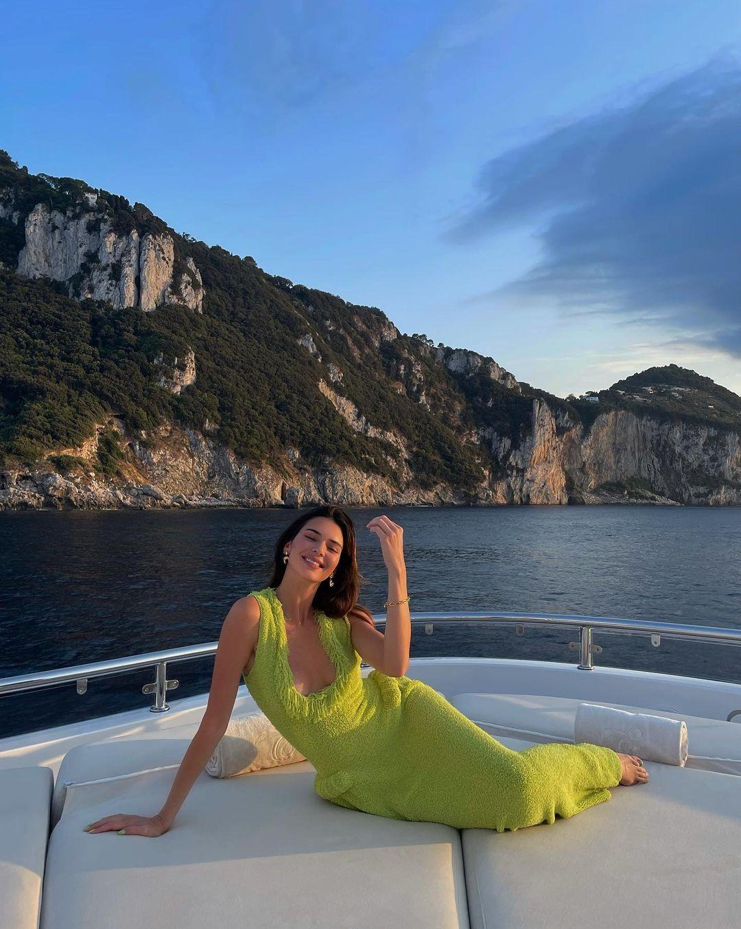 Kusursuz fiziğini gözler önüne serdi! Kendall Jenner transparan elbisesiyle nefes kesti! - Sayfa 4