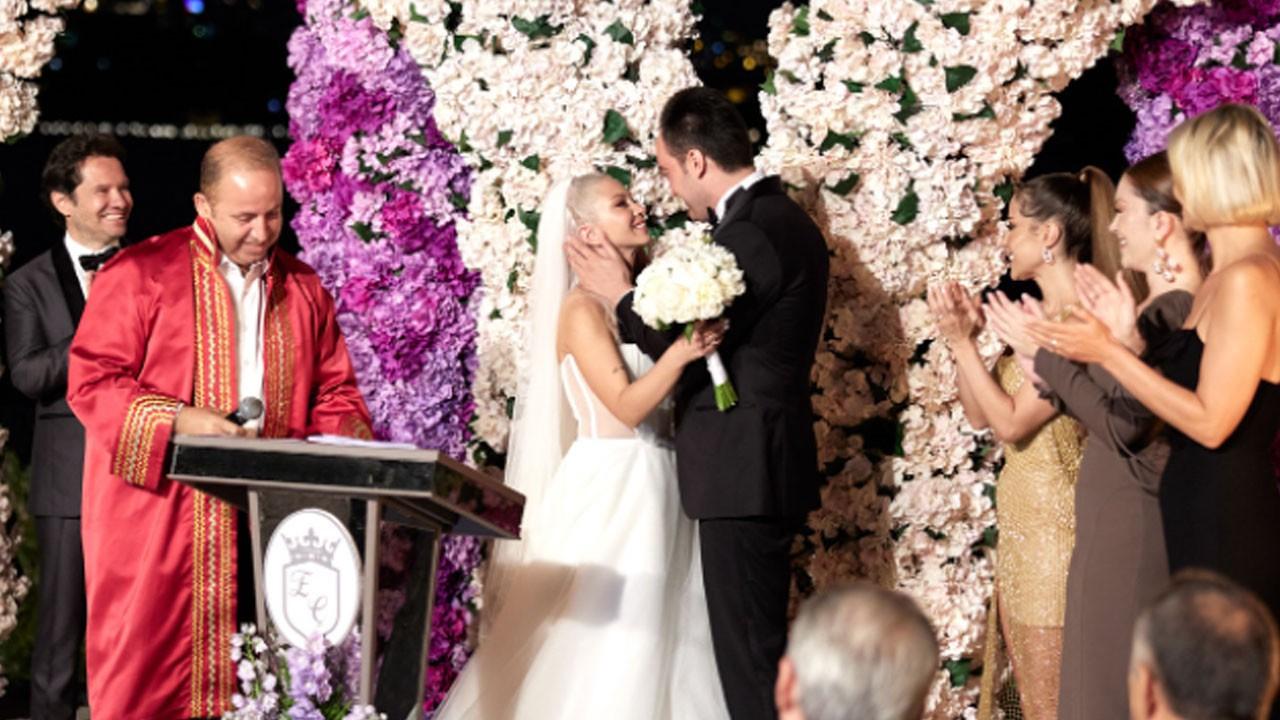 Yılın düğünü... Mutluluğa 'evet' dediler