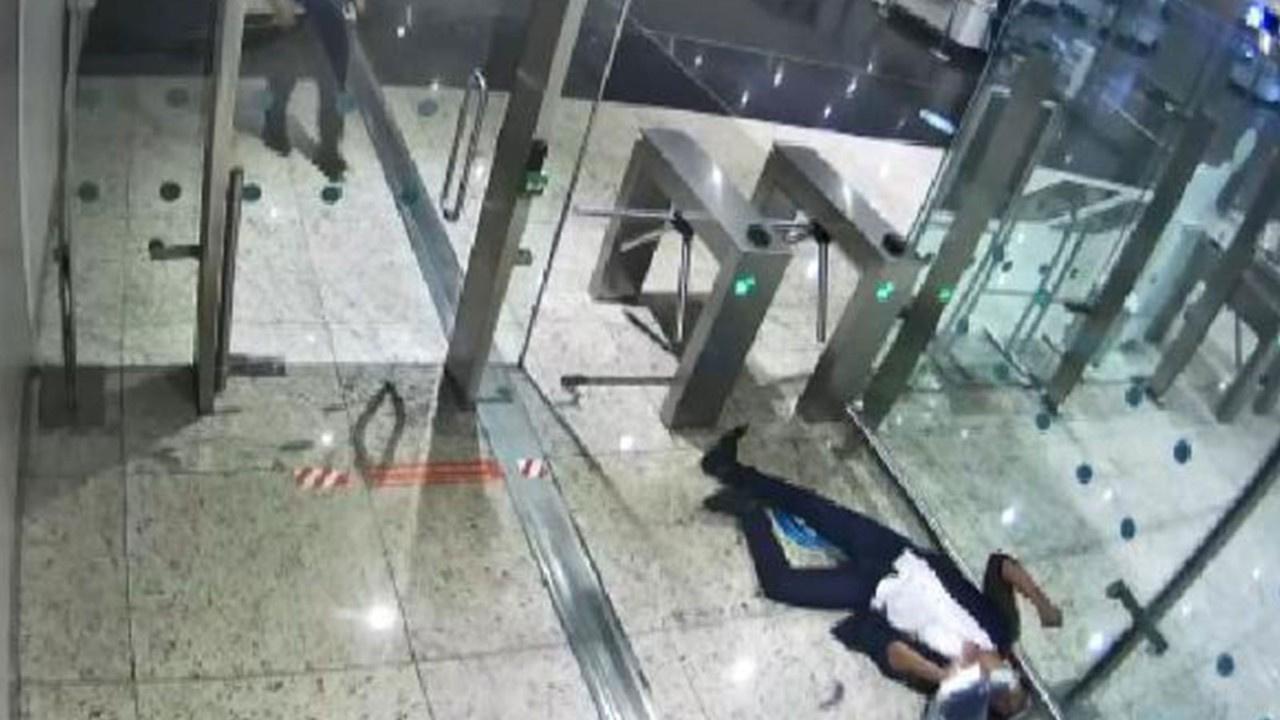 Havalimanında korkunç ölüm! Midesinde patladı