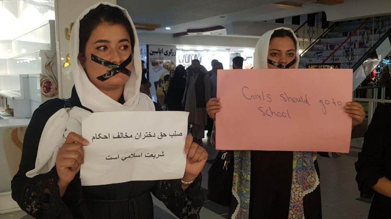 Afgan kadınlardan ilginç protesto