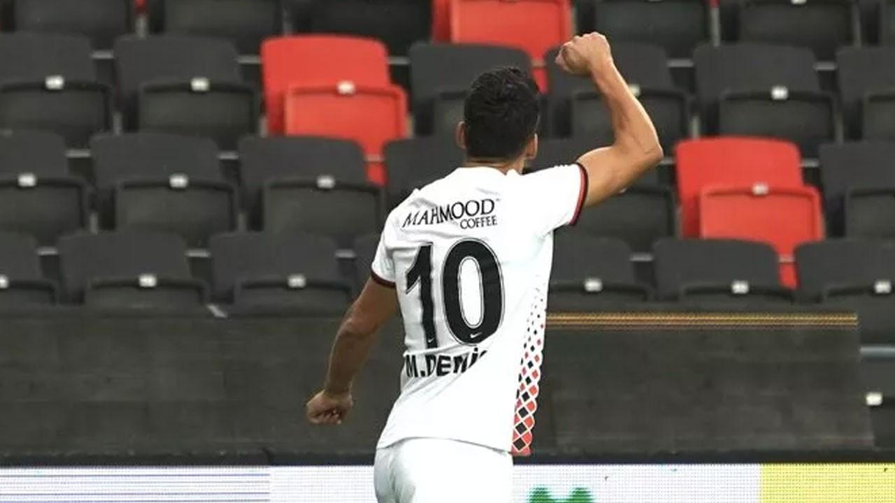 Muhammet Demir, attığı gol ile tarihe geçti