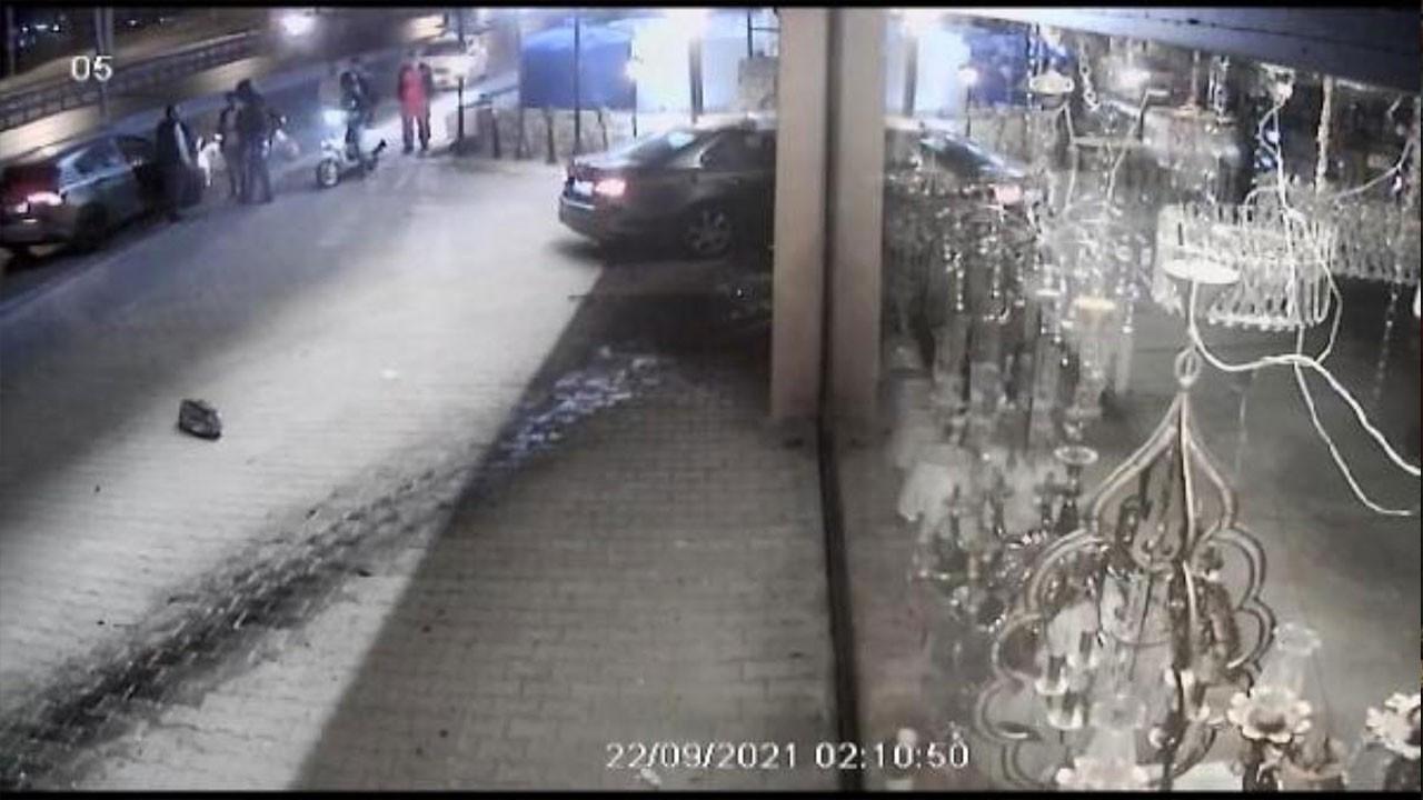 Dükkana daldılar, taksiye binip kaçtılar