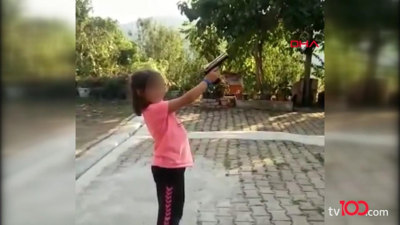 8 yaşındaki çocuğa zorla ateş ettirdiler