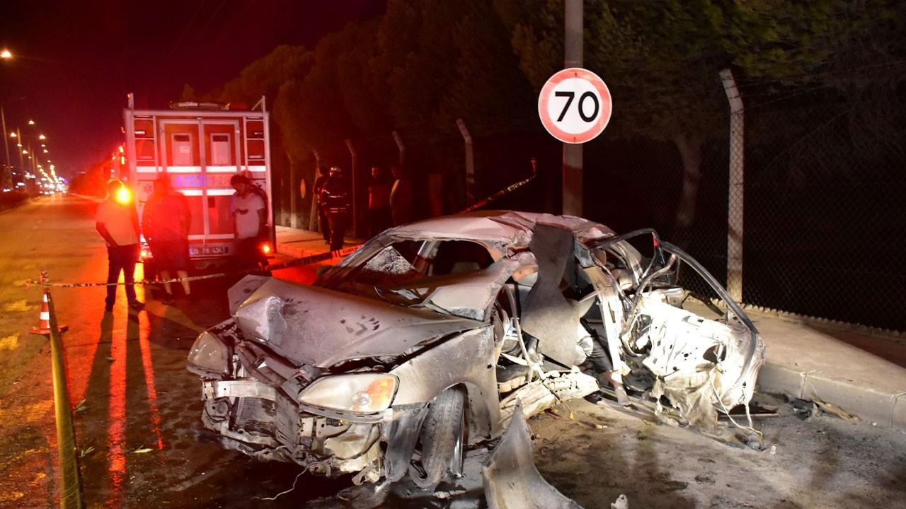 İzmir'de feci kaza! Önce çarptı sonra alev aldı!