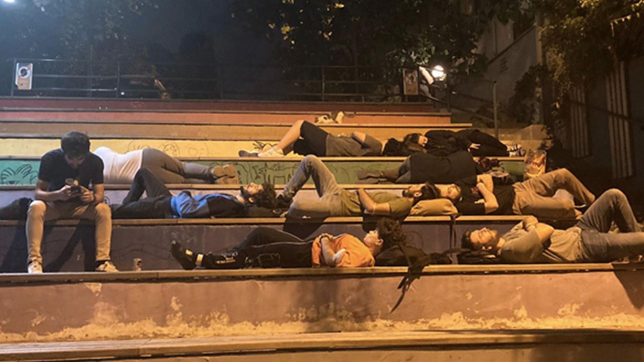 Kadıköy'de yurt eylemi yapan 28 kişiye adli işlem