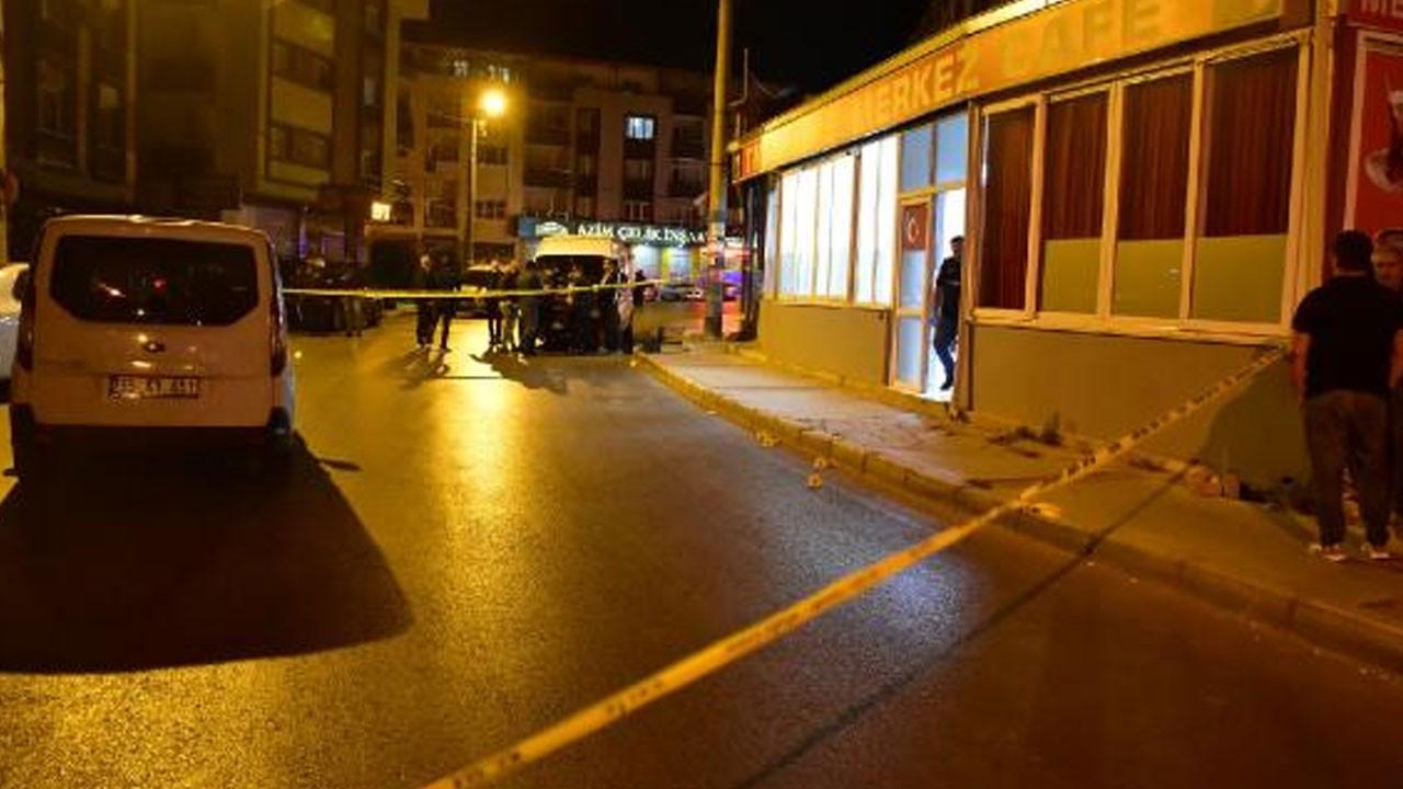 İzmir'de bir kafeye pompalı tüfekle saldırı!