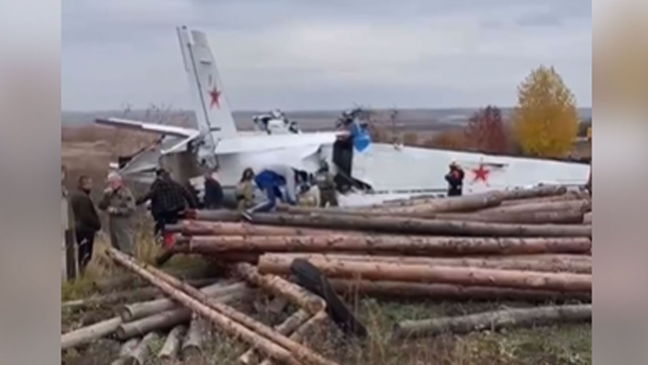 Paraşütçüleri taşıyan uçak düştü: 19 ölü