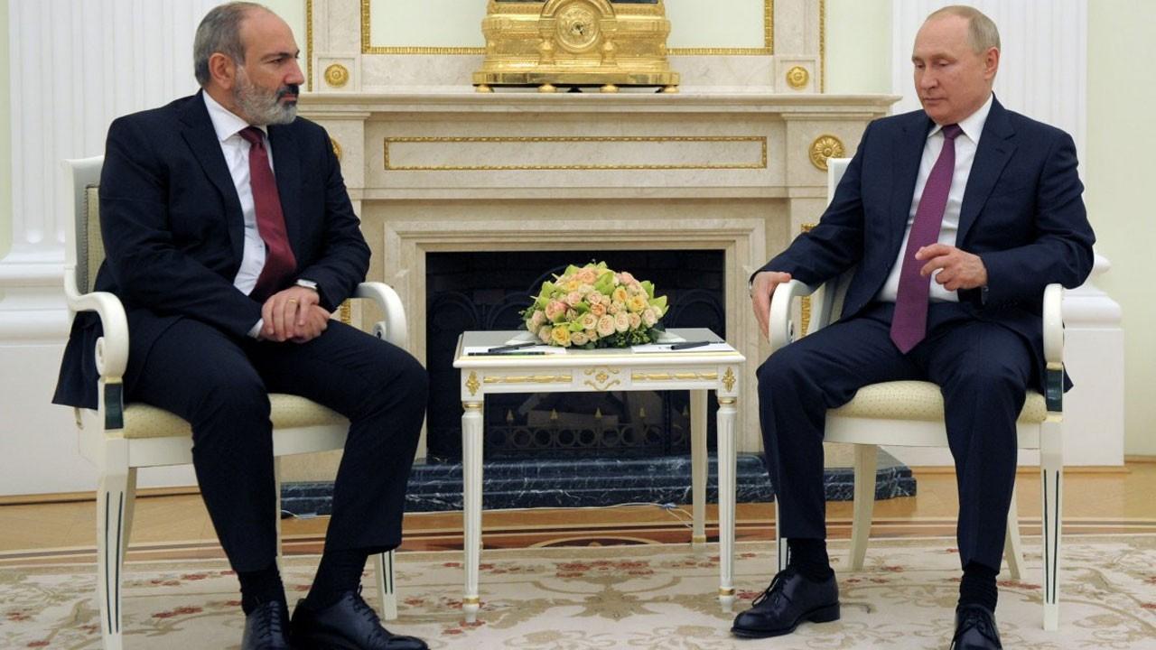 Putin, Moskova'da Paşinyan'ı kabul etti