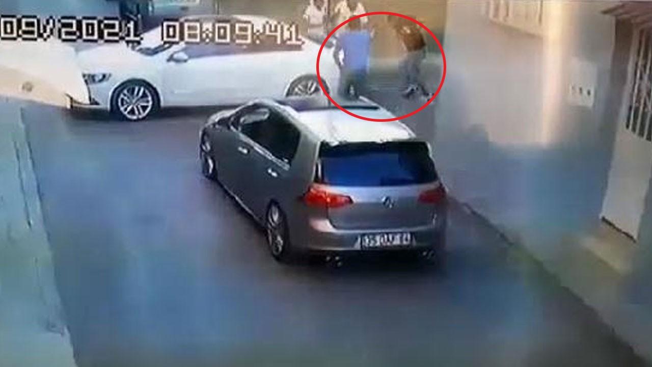 Sokak ortasında işlenen cinayet kamerada!