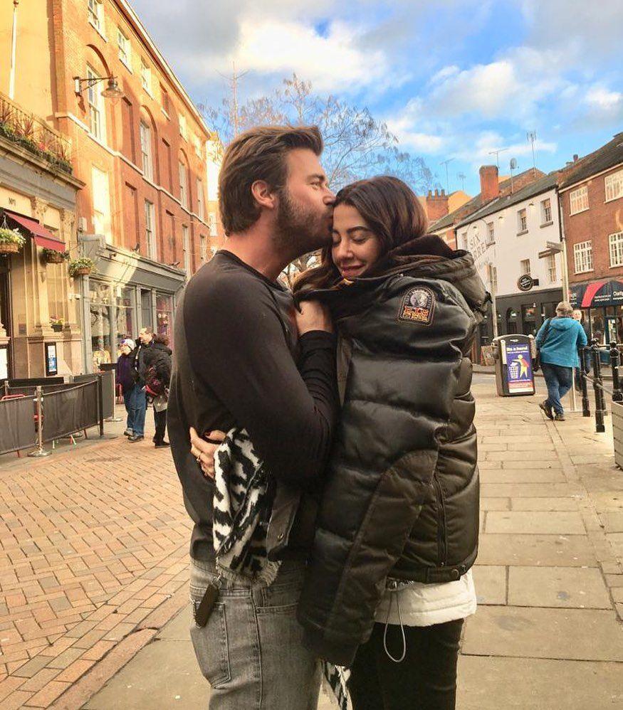 Kıvanç Tatlıtuğ ve eşi Başak Dizer çiftinin romantik pozu beğeni topladı! - Sayfa 1
