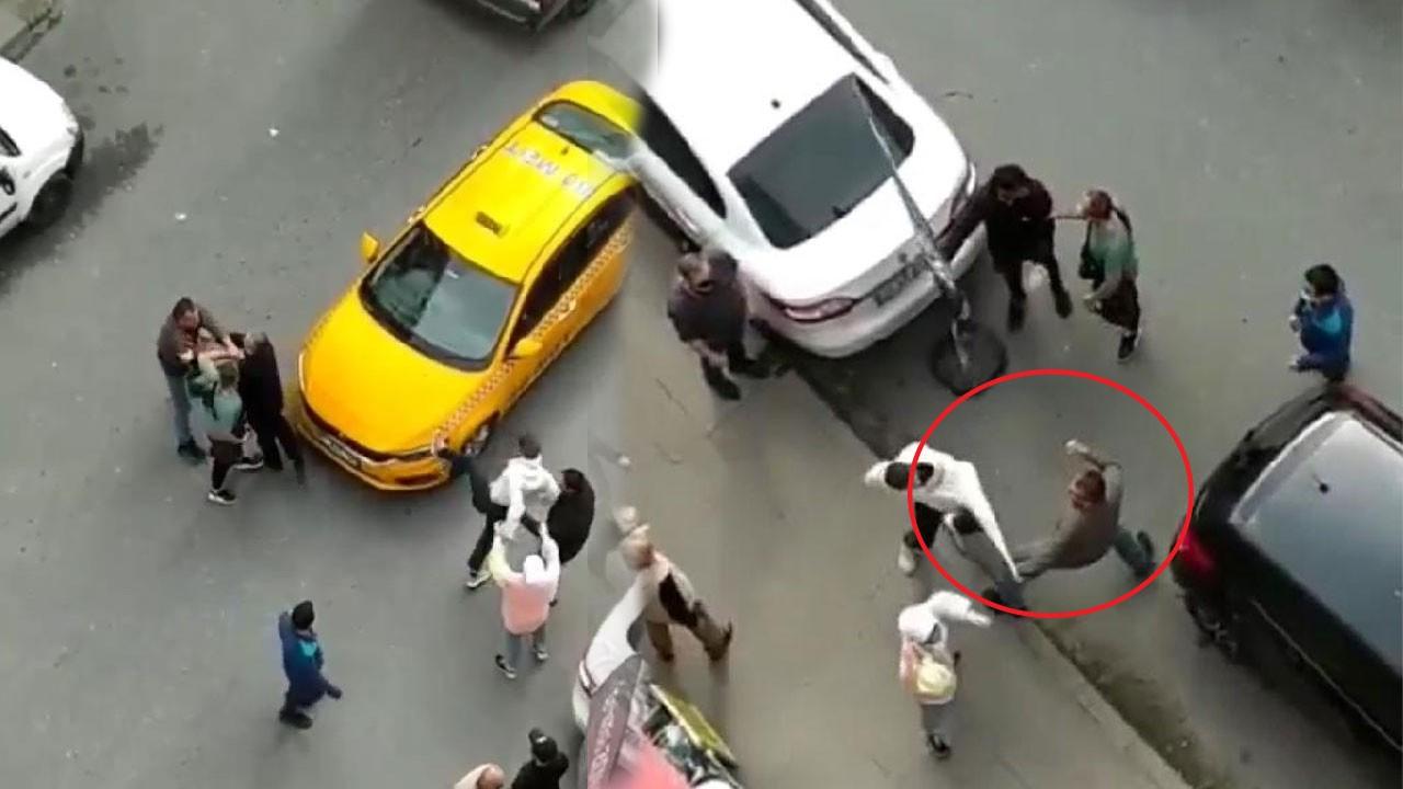 Taksici ve yolcu arasında yumruk yumruğa kavga!