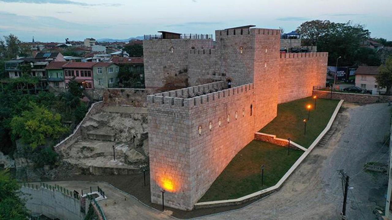 2 bin 300 yıllık tarihi 'Zindan Kapı' dan sevindiren haber!