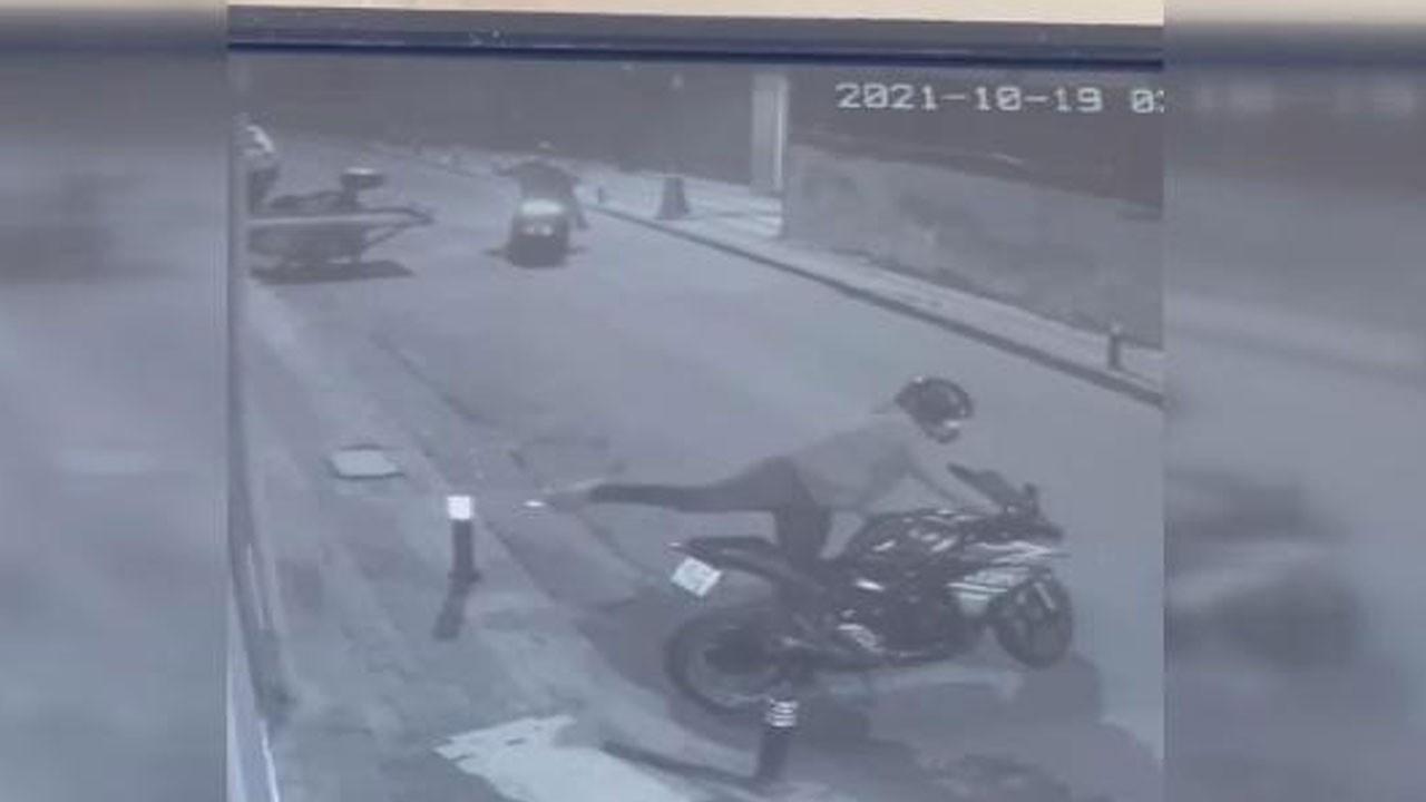 Üsküdar'da motosiklet hırsızlığı kamerada